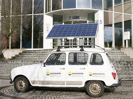 The ANTARIS SOLAR off-grid photovoltaic systems formed the basis for the mobile PV system fitted to the rally car.