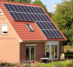 Wer jetzt eine Photovoltaikanlage kauft, der reduziert seine Stromrechnung und erhält noch eine lohnende Vergütung für den nicht selbst verbrauchten, sondern ins Stromnetz eingespeisten Solarstrom. Bild: ANTARIS SOLAR
